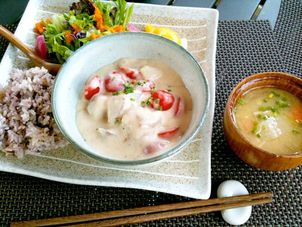 ランチセット:有機野菜と鶏肉の和風クリーム煮